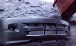 Бампер. Toyota Noah, AZR65G