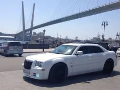 Аренда Chrysler 300c белого цвета с водителем