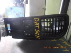 Блок управления зеркалами. Nissan Datsun, BMD21