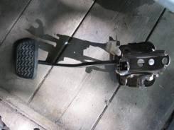 Педаль тормоза Mazda Demio DW3W