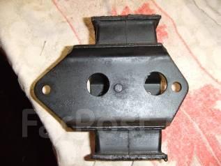 Подушка коробки передач. Mitsubishi Pajero, V45W Двигатель 6G74