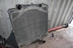 Радиатор охлаждения двигателя. Volvo