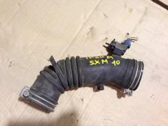Патрубок воздухозаборника. Toyota Ipsum, SXM10 Двигатель 3SFE