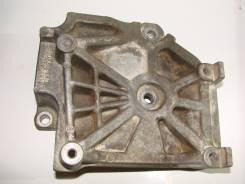 Крепление компрессора кондиционера. Mitsubishi Grandis, NA4W Mitsubishi Airtrek, CU5W, CU2W Двигатель 4G69