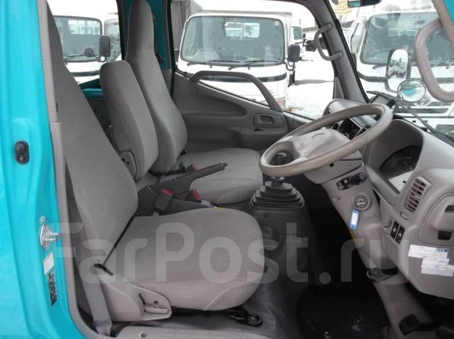 Toyota Toyoace. Toyota ToyoAce 4WD, двухкабинник+борт, 3 000 куб. см., 1 500 кг.