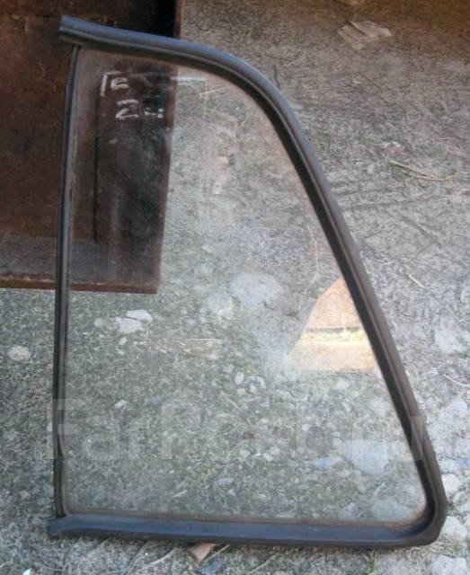 Неподвижное стекло задней двери golf 4