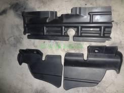 Дефлектор радиатора. Toyota Caldina, AZT246, ST246, AZT241, ZZT241 Двигатели: 1ZZFE, 3SGTE, 1AZFSE