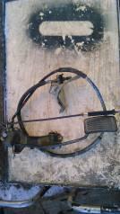 Педаль акселератора.