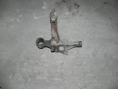 Кулак поворотный задний левый Toyota Camry
