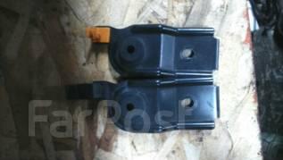 Крепление радиатора. Subaru Forester, SF5