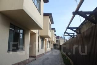 Продаётся новый Таунхаус в центре г. Анапа. Ул. Северная, р-н Центр, площадь дома 89 кв.м., централизованный водопровод, электричество 15 кВт, отопле...