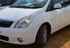 Стекло противотуманной фары. Toyota Corolla Spacio