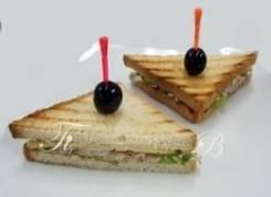 Сэндвич с тунцом (4 шт.) (Праздничное меню)