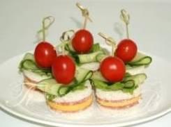 Канапе с салями и сыром (5 шт.) (Праздничное меню)