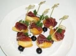 Канапе с сыром и вяленой говядиной (7 шт.) (Праздничное меню)