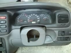 Консоль панели приборов. Suzuki Escudo, TD52W