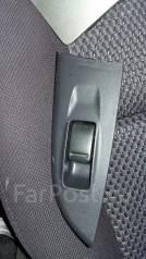 Кнопка стеклоподъемника. Nissan Wingroad, WFY11