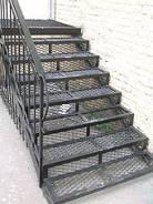 Металлические лестницы, перила, ограждения, пандусы