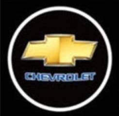 Лазерный проектор логотипа Chevrolet в двери