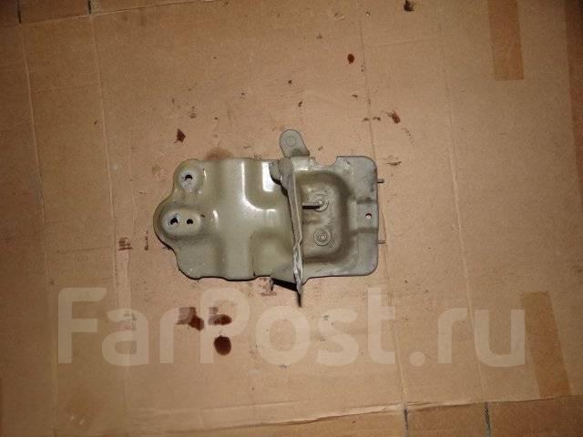 Крепление аккумулятора. Daewoo Winstorm, KLAC Opel Antara Двигатель Z20S