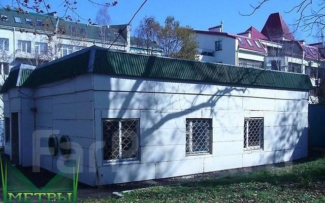 Здания, особняки. Улица Четвертая 8, р-н Океанская, 140 кв.м. Дом снаружи