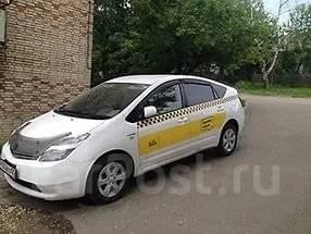 Prius в аренду Такси Максим. Без водителя