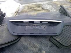 Накладка крышки багажника. Mercedes-Benz S-Class, W220