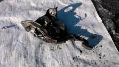 Педаль ручника. Toyota Camry, SV40 Двигатель 3SFE