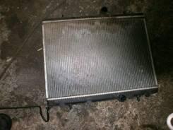 Радиатор охлаждения двигателя. Peugeot 308