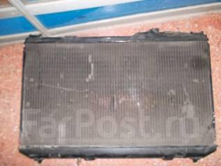 Радиатор охлаждения двигателя. Toyota Camry, SV30 Toyota Vista, SV30