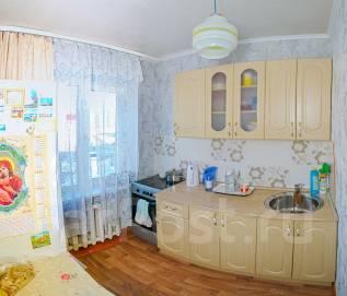 3-комнатная, улица Тушканова 8. АЗС, частное лицо, 61 кв.м.