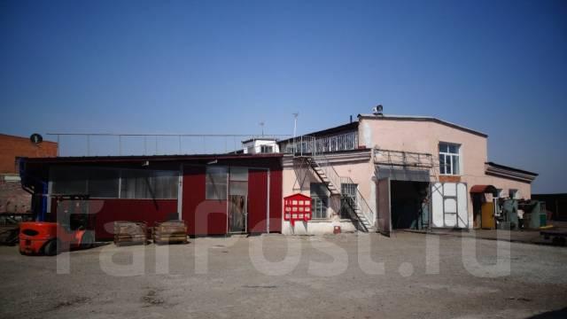 Сдаем производственно-складские помещения на трассе Владивосток-Артем. 3 250кв.м., улица Вахрушева 4, р-н, Аэропорта. Дом снаружи