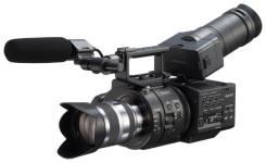 Sony NEX-FS700R. 10 - 14.9 Мп, с объективом