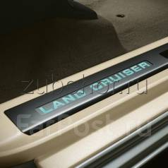 Накладка на порог. Toyota Land Cruiser, UZJ200, VDJ200