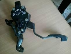 Педаль акселератора. Toyota Vitz, NCP91
