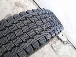 Bridgestone Blizzak Revo 969. Всесезонные, износ: 5%, 2 шт