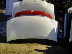 Капот. Toyota Granvia