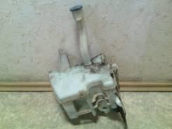 Бачок омывателя лобового стекла на 2 мотора б/у Toyota Corolla 150. Toyota Corolla, ZRE151, ZRE152, ZZE150, ADE150, NDE150 Toyota Auris Двигатели: 1ND...
