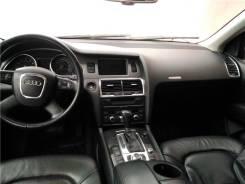 Эмблема решетки. Audi Q7