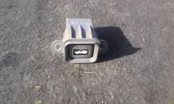 Кнопка открывания багажника. Honda CR-V, RD1