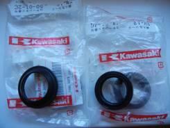 Комплект пыльников и сальников(вилка) Kawasaki KSR