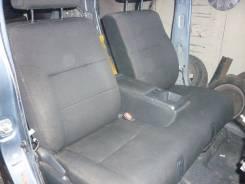 Крепление сиденья. Toyota bB, QNC20 Двигатель K3VE
