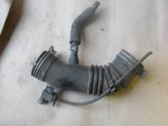 Патрубок воздухозаборника. Suzuki Escudo, TD01W, TA01W Двигатель G16A