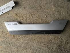 Накладка на дверь багажника. Nissan X-Trail, T31