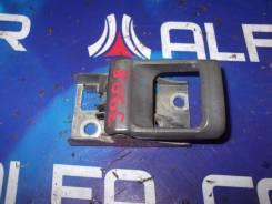 Ручка двери внутренняя Nissan Caravan VWME24, левая передняя