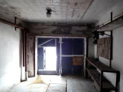 Гаражи капитальные. Партизанский проспект 13, р-н Первая речка, 36 кв.м., электричество, подвал. Вид изнутри