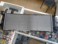 Радиатор охлаждения двигателя. Jeep Cherokee