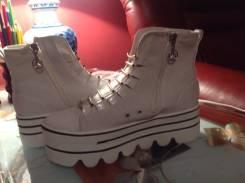 Спортивная обувь. 38