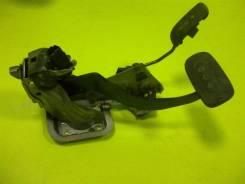 Педаль. Nissan Tiida, C11 Двигатель HR15DE