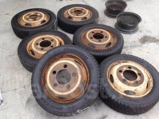 Грузовые шины Bridgestone 205-60R17.5 LT с дисками. 2015 г. в.!. 5.5x17.5 ЦО 146,0мм.
